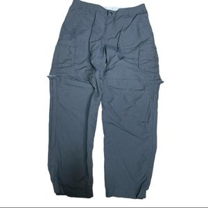REI Sahara hiking pants converts to shorts…
